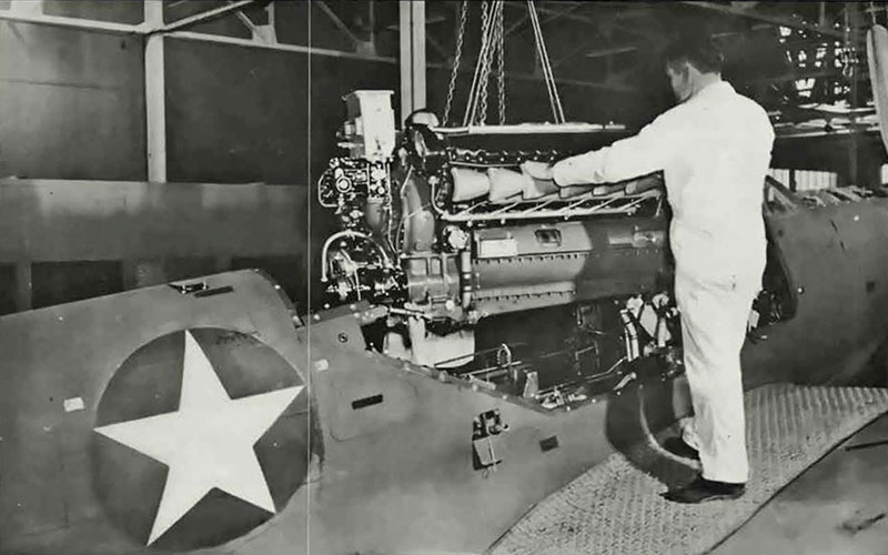 engine-placed-in-aircraf